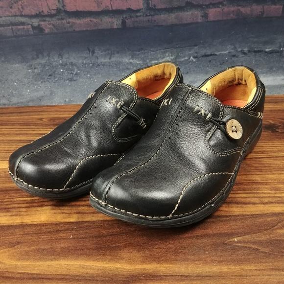 b38276f2 Clarks Shoes   Unstructured Unloop Comfort Slip On Shoe   Poshmark